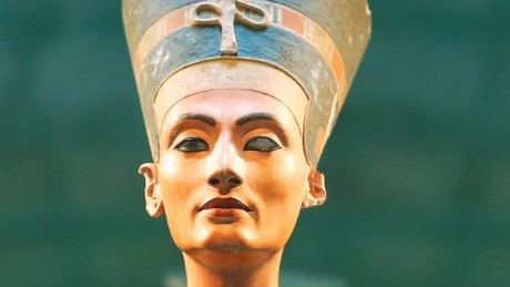 Queen Nefertiti's tomb found?
