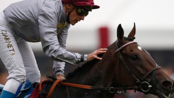 Treve and jockey Thierry Jarnet return after only finishing fourth at Longchamp while bidding for a third straight win.