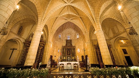Many are attracted to the architecture inside of Santo Domingo's cathedral. The 500-year old mahogany doors, the Gothic styles, a painting of the Virgin Mary dating back to 1512 and the former site of Christopher Columbus' tomb are all elements that draw people to this fascinating place.