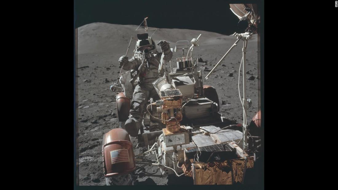 the apollo space astronauts - photo #26