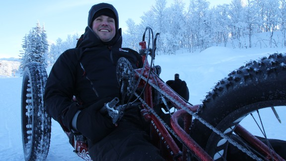 Mark Pollock competition training with a hand-bike in Norway in 2010. Although he was blind, sports became a passion for him.