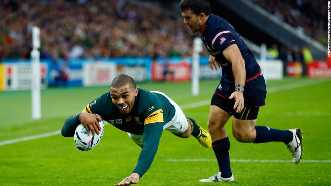 Bryan Habana crosses for his third try in South Africa's 64-0 win over the U.S. at the 2015 Rugby World Cup, giving him a share of the tournament record.