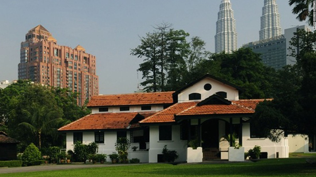 The Badan Warisan Malaysia in Kuala Lumpur is dedicated to Malaysian culture and heritage conservation projects. The group does local walks and talks around the city.