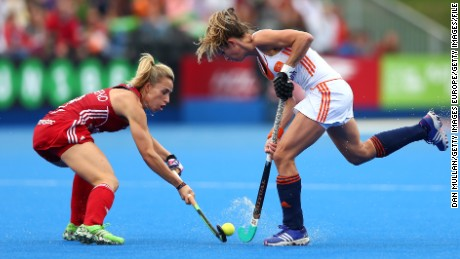 LONDON, ENGLAND - AUGUST 30:  Susannah Townsend of England (L) battles for the ball with Ellen Hoog of The Netherlands during the EuroHockey Womens Gold Medal match between England and The Netherlands at Lee Valley Hockey and Tennis Centre on August 30, 2015 in London, England.  (Photo by Dan Mullan/Getty Images)