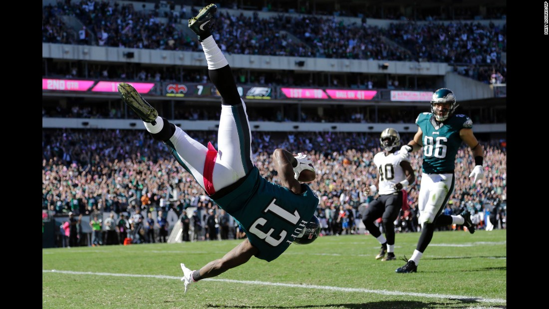Josh Huff flips into the end zone to score a touchdown for the Philadelphia Eagles, who trounced the New Orleans Saints 39-17 on Sunday, October 11.