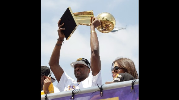 Odom hoists the Larry O
