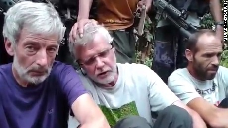 Video still appears to show hostages Robert Hall, John Ridsdel and Kjartan Sekkingstad (l-r).