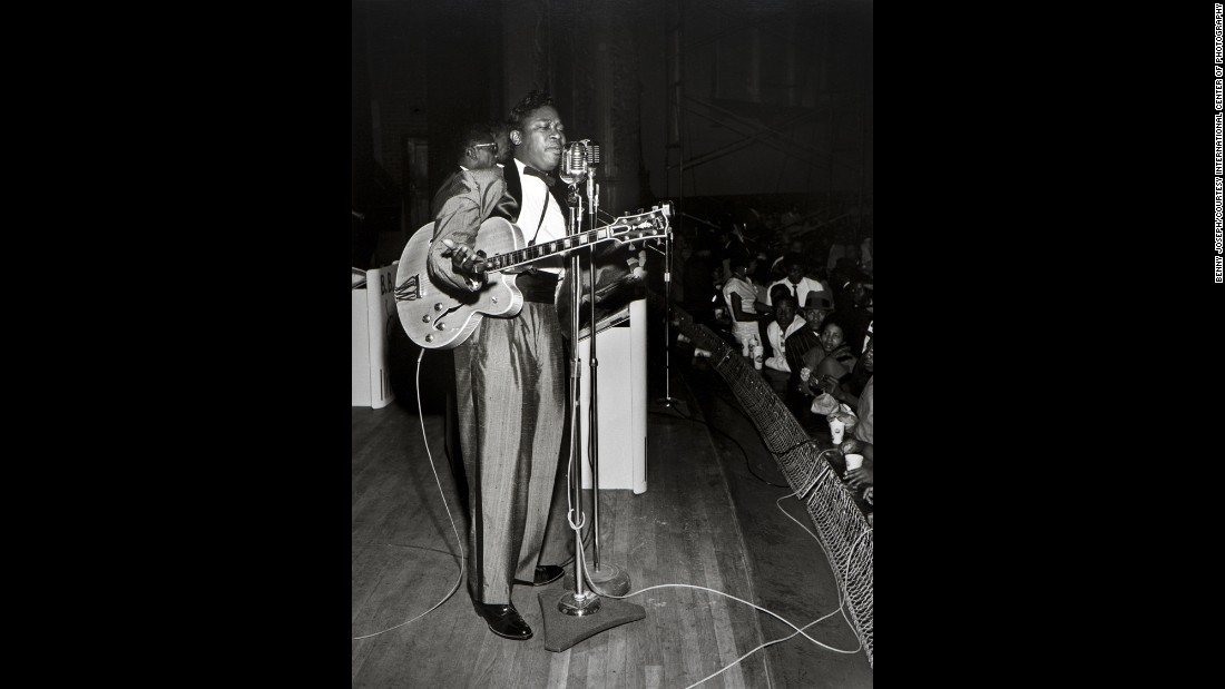 The exhibit is on view at the ICP Mana Contemporary in Jersey City, New Jersey, from October 18 to January 10, 2016. It includes portraits of such celebrated performers, including B.B. King, pictured here at the City Auditorium in Houston in 1962.