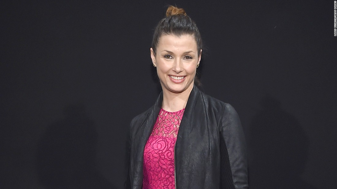 "Actress Bridget Moynahan revealed<a href=""https://instagram.com/p/89YQFiM7yC/"" target=""_blank""> on her Instagram account</a> that she married businessman Andrew Frankel in October 2015."