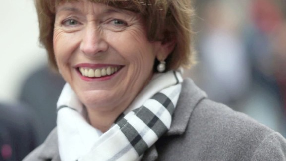 germany mayoral candidate Henriette Reker stabbing migration ct_00004225.jpg