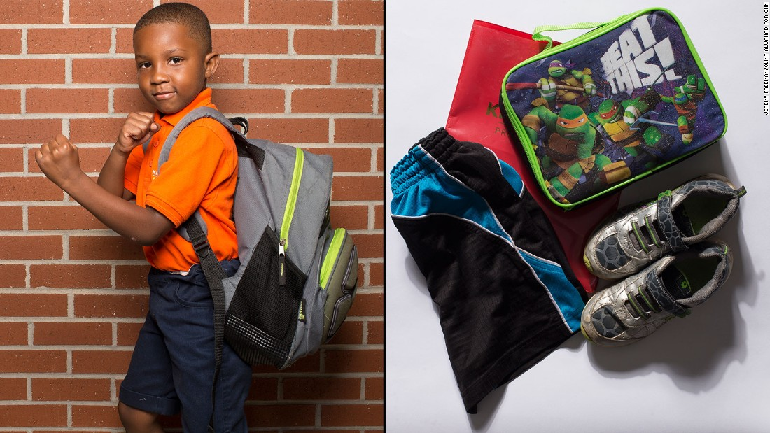 43131f260a6e What s inside students  heavy backpacks  - CNN