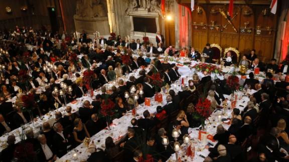 Xi makes a speech during the banquet.