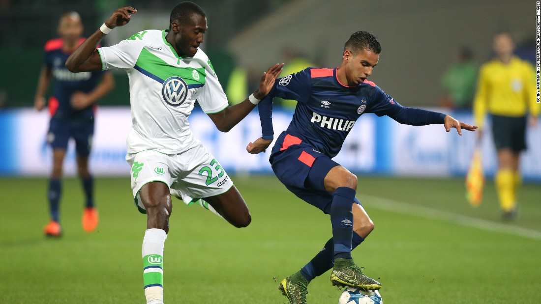 Wolfsburg claimed its second win of the competition by defeating PSV Eindhoven 2-0 in Germany.