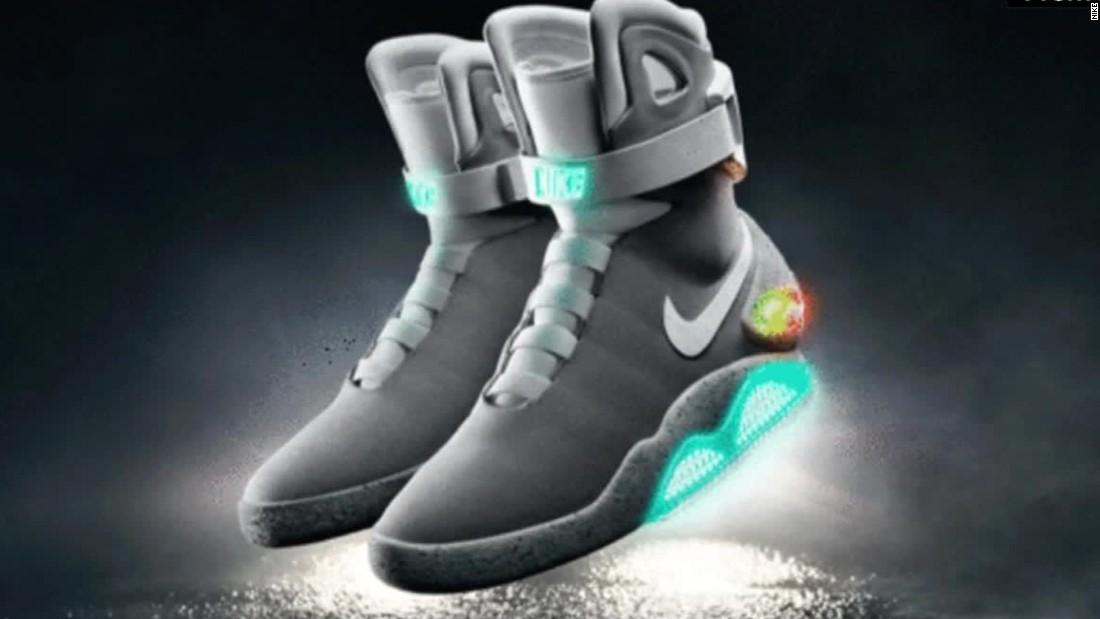 Los 'Power Laces' de Nike ya Y se amarran solos CNN Video