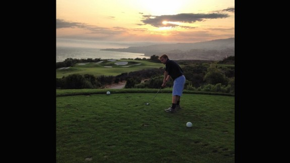"""The varied landscape behind this course is the perfect base for a sunset. @ayojsnow was clearly delighted with his surroundings: """"What a round!"""" he wrote."""