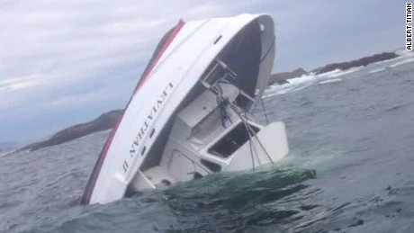 canadian tour boat sinks howell lklv_00001127