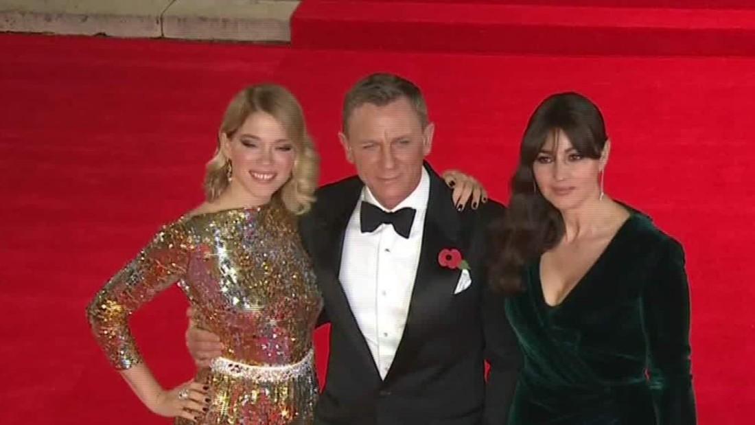 new bond movie spectre makes world premiere cnn video