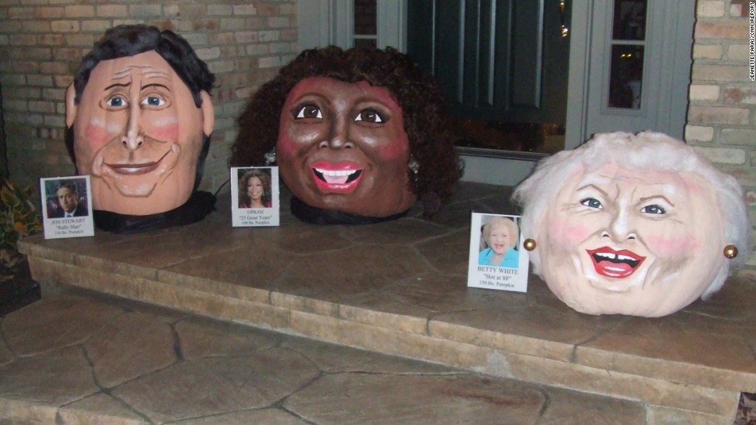 Jon Stewart, Oprah and Betty White weigh in at 170, 198 and 150 pounds, respectively, on Paras' front porch in 2010.