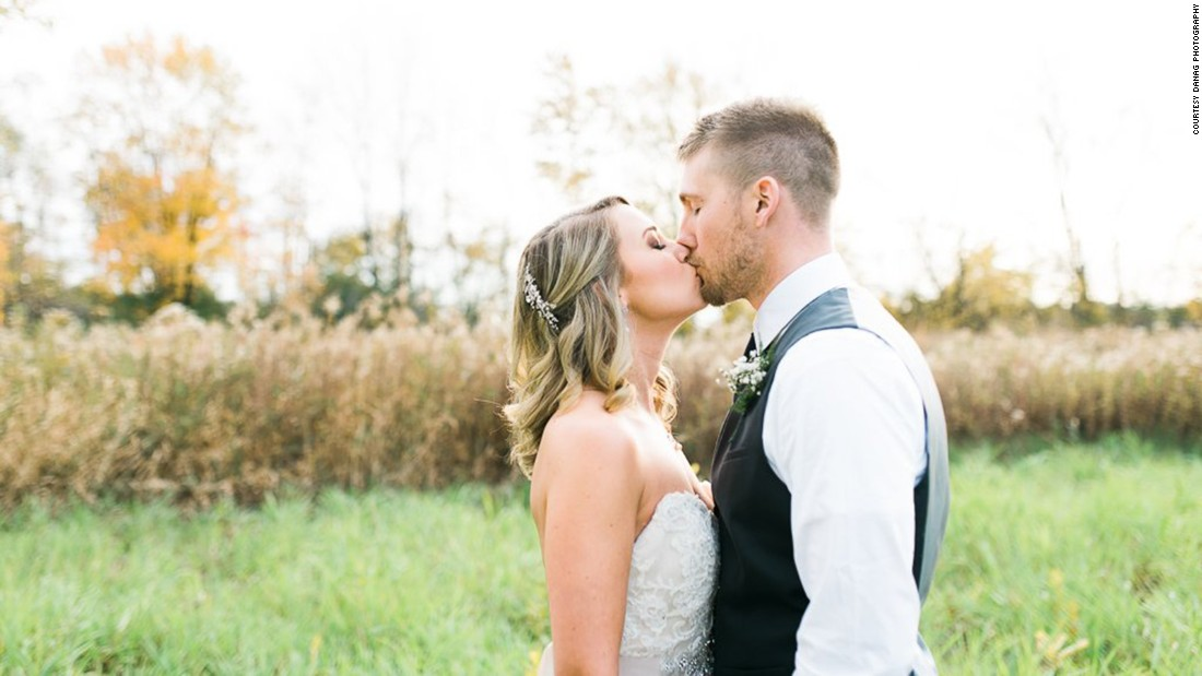 Matt and Heather Koehler were originally married last month, but their wedding photographer was absent. So a local photographer helped recreate their wedding day, free of charge.