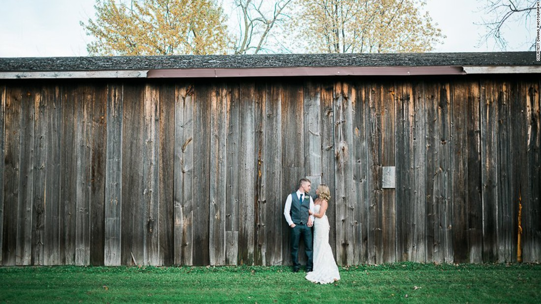 "Gruszynski wanted to recreate the ""rustic"" quality of the couple's original wedding day."