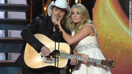 Brad Paisley and Carrie Underwood will once again host the Country Music Association Awards.