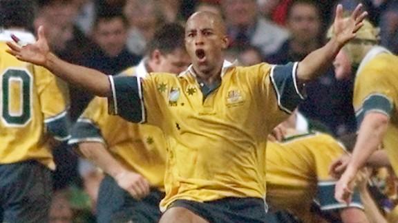 Gregan celebrates at Twickenham in 1999.