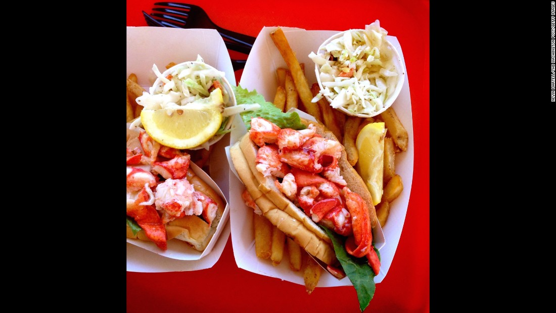 "You can't visit the Maine coast without trying a lobster roll -- usually seasoned lobster meat on a toasted hot dog bun with a little mayo. <a href=""http://www.roadfood.com/Reviews/Overview.aspx?RefID=2959"" target=""_blank"">Red's Eats</a> in Wiscasset serves one of the best."