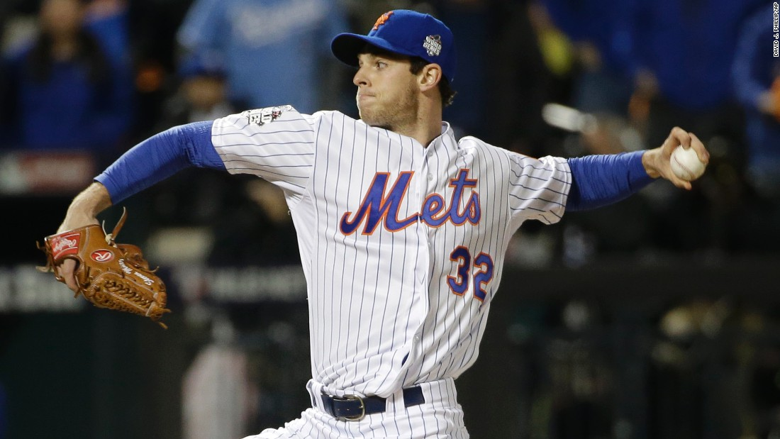 Mets pitcher Steven Matz throws during the first inning.