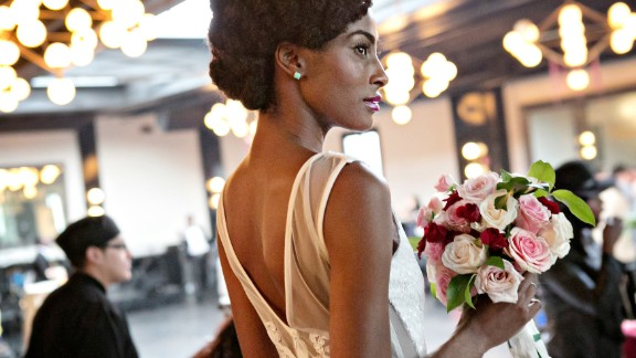Even though she is Nigerian American, Nwobu's magazine doesn't only focus on brides of her own heritage, but also on women from other ethnic backgrounds who feel underrepresented in mainstream bridal publications.