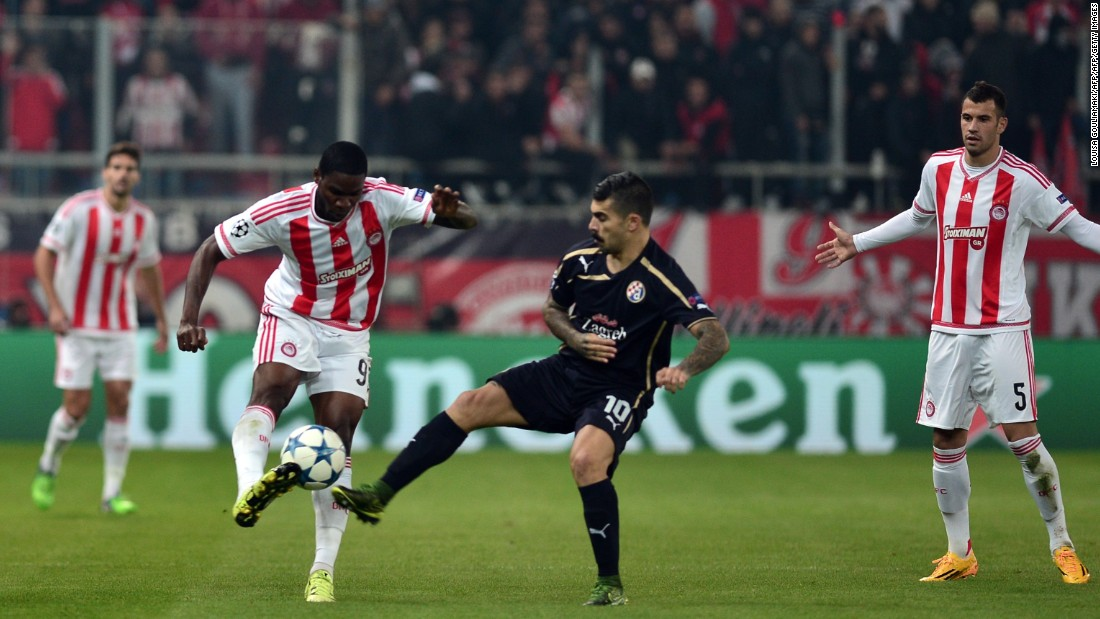 Olympiakos took a giant stride towards qualifying for the knockout phase with a 2-1 win over Dinamo Zagreb. Felipe Pardo was the hero for the home side, scoring twice in the second half after Dinamo had taken a 15th minute lead.