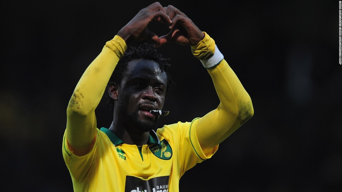 In January 2013, Kamara went on loan to English Premier League club Norwich City. Here he makes his trademark heart-shape celebration during a match against Everton.