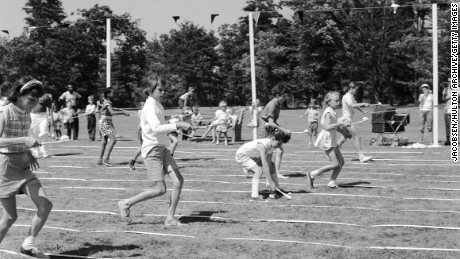 Circa 1955:  Children taking part in an 'Egg and Spoon' race at Heckscher State Park, Long Island, New York