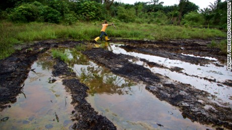 Ken Saro-Wiwa 20 years on: Niger Delta still blighted by oil spills