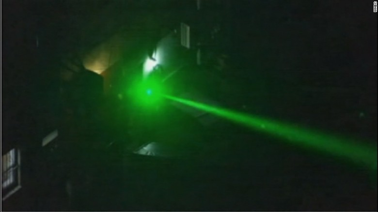 News crew captures blinding laser aimed at its chopper