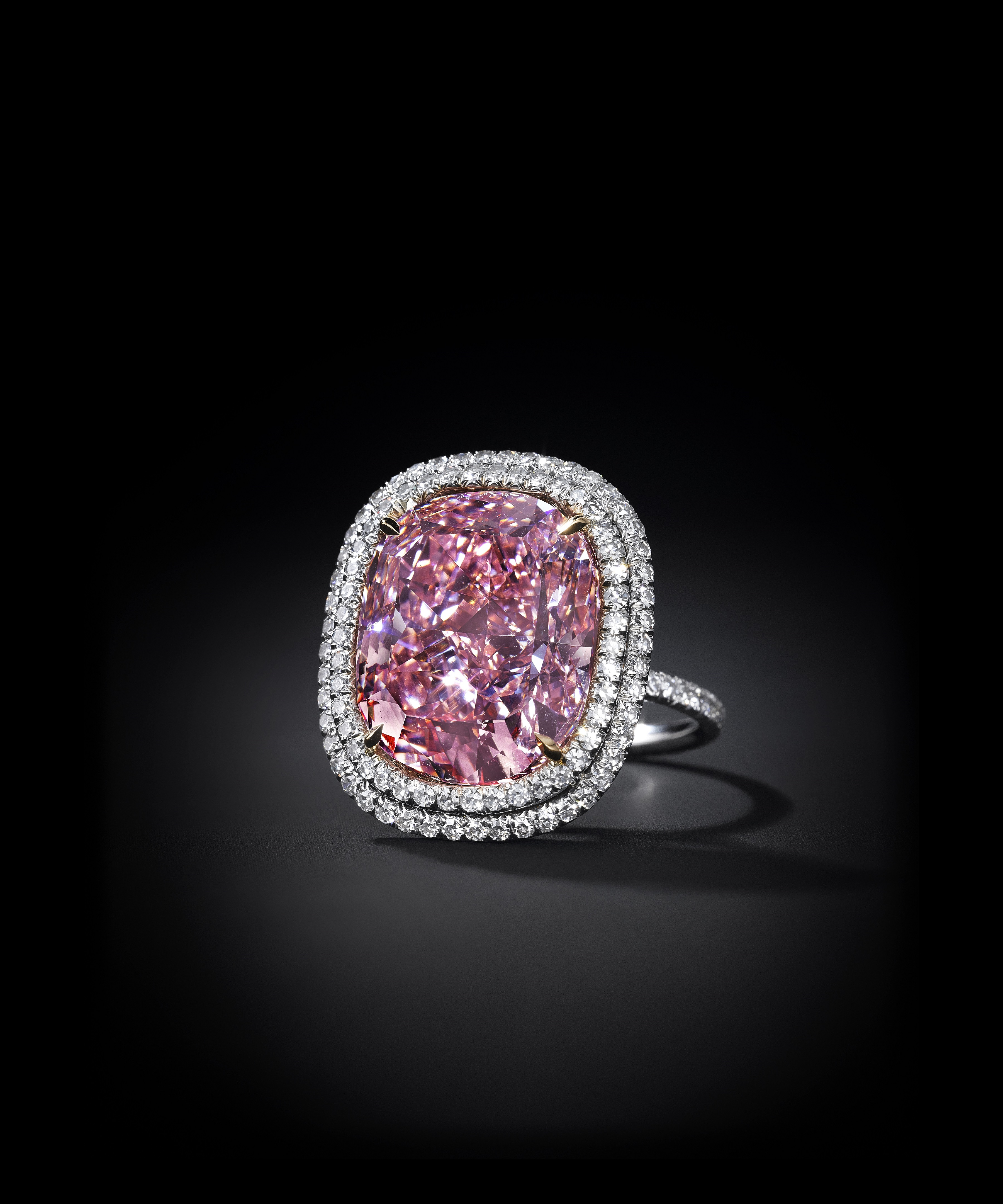 Million Dollar Enement Ring | World S Most Expensive Diamond Goes For 48 4m Pictures Cnn Style