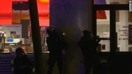 swat team storms concert hall bataclan paris attacks erin_00002202