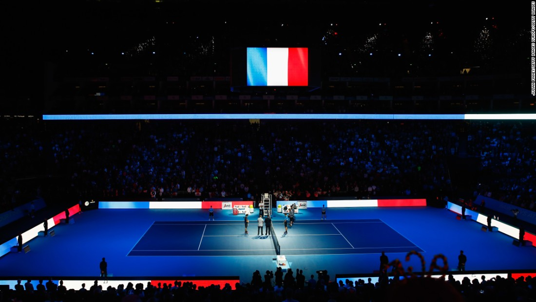 Tennis fans at the ATP World Tour Finals tournament in London paused to pay their respects for the victims in Paris.