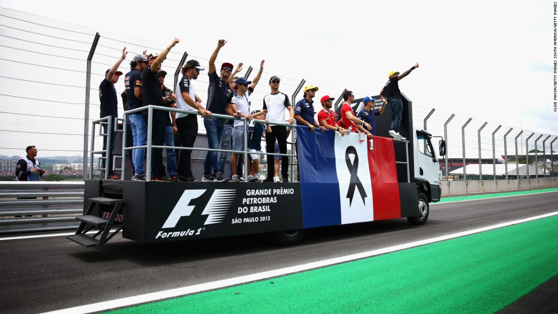 Shortly after, F1 drivers paraded around the Interlagos circuit with the French flag to show their solidarity with the Paris victims.