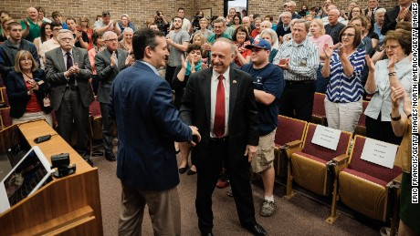SIOUX CITY, IOWA - APRIL 1: Senator Ted Cruz (R-TX) and Representative Steve King (R-IO) shake hands during a town hall meeting at the Lincoln Center on the campus of Morningside College April 1, 2015 in Sioux City, Iowa. (Photo by Eric Francis/Getty Images)