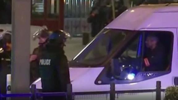 france paris attack police raid pleitgen lklv_00013603.jpg