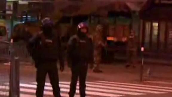 france paris attack raid explosions shubert lklv_00013908.jpg
