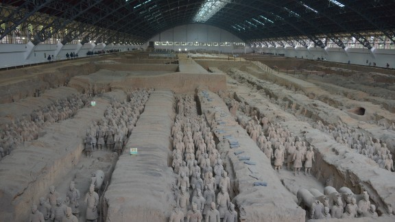 Pit 1 is the largest and most famous excavation site of terra-cotta soldiers. Some 6,000 warriors have been discovered here, but the majority remain unearthed.