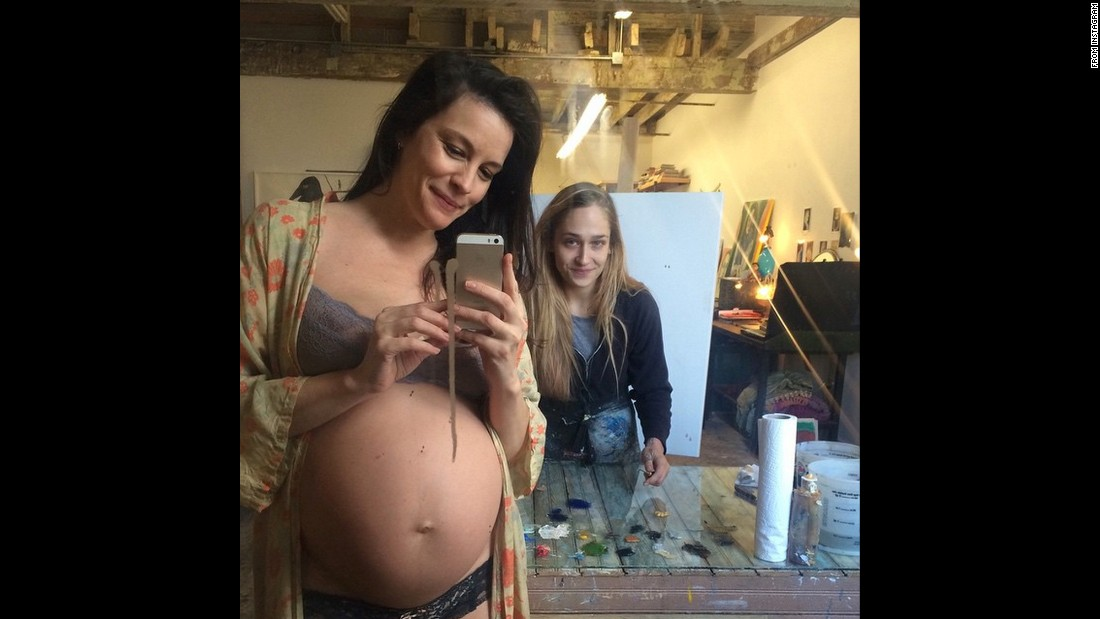 "Actress Liv Tyler is about to have her belly painted <a href=""https://instagram.com/p/xsASsxQQRP/?hl=en"" target=""_blank"">in this selfie she took</a> on Saturday, January 10."
