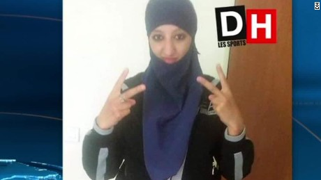 Official: Woman did not blow herself up in Paris attack