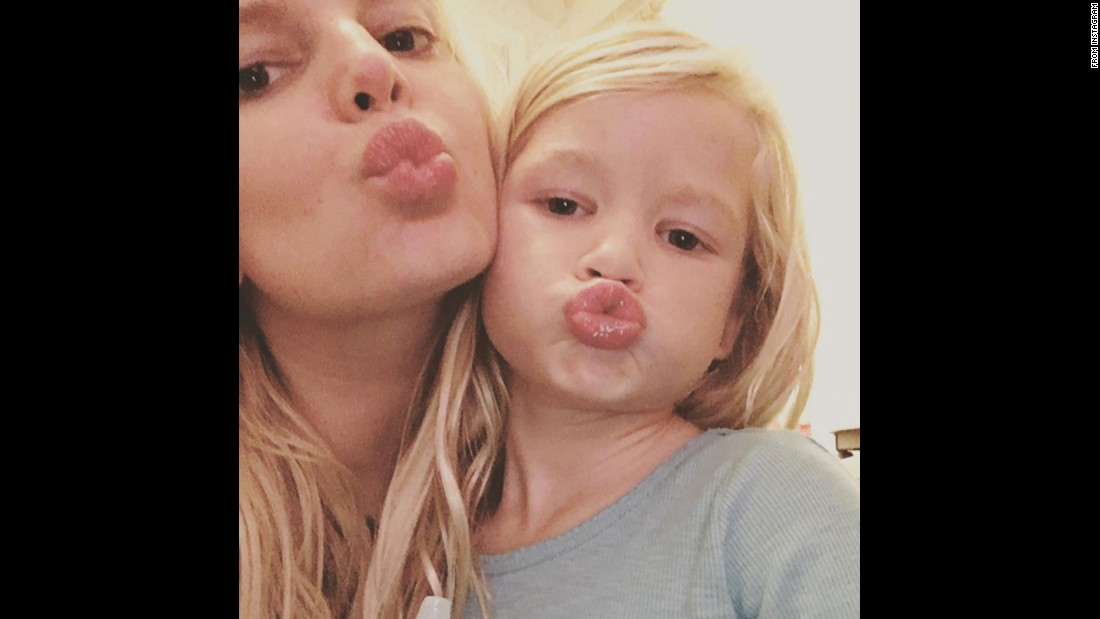 "Singer Jessica Simpson and her daughter, Maxwell, <a href=""https://www.instagram.com/p/-YGkv3EVkk/"" target=""_blank"">make kissy faces</a> on Sunday, November 22."