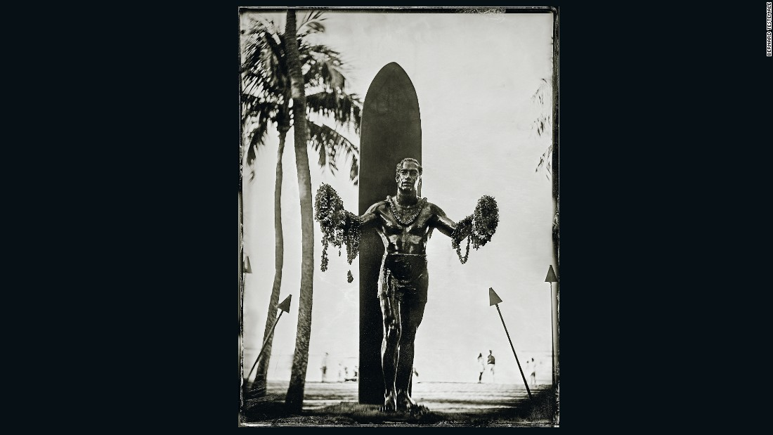 "Sometimes Testemale took his laboratory to the subject -- such as when he photographed perhaps Hawaii's most iconic tourist attraction, the bronze statue of surfing pioneer and Olympic swimming champion Duke Kahanamoku (1890-1968).<br />On the back of his swimming success, Kahanamoku was able to promote surfing as he traveled the world -- there is also a statue of him in Australia. <br />""In Hawaii, the Duke statue is like the Eiffel Tower for France,"" says Testemale. ""Four million people come every year to take a photo in front of it. That was a mission for me to get the picture."""