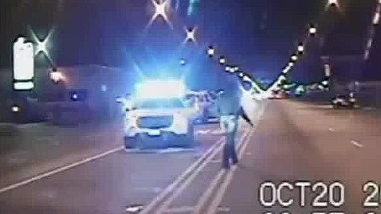 Police release video of Laquan McDonald's shooting