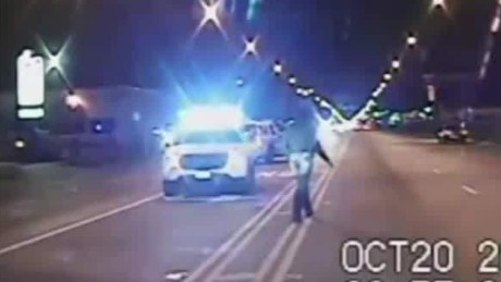 Laquan McDonald shooting police dashcam video released_00003328