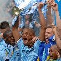 Vincent Kompany Manchester City Premier League trophy