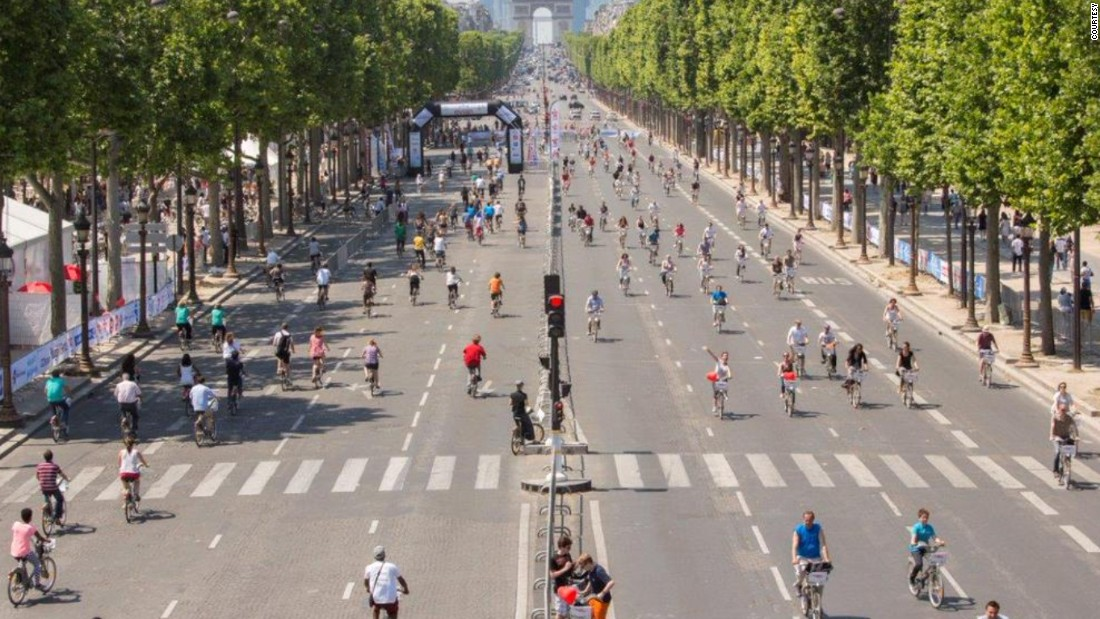 Paris' usually jam-packed roads went car-free for a day on September 27.